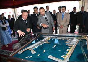 S.M. le Roi inaugure l'extension du port de Laâyoune