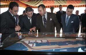 S.M. le Roi donne le coup d'envoi des travaux de construction du port de Boujdour