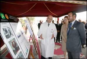 S.M. le Roi procède à Casablanca, à la pose de la première pierre pour la construction du Centre d'oncologie au CHU Ibn Rochd