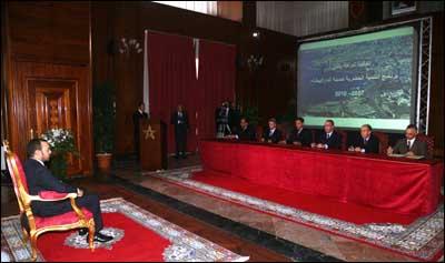 S.M. le Roi préside la signature d'une convention de partenariat pour le développement urbain de Casablanca