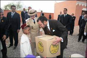 S.M. le Roi donne le coup d'envoi de la 2e édition de l'opération «Sanabil» à Skoura