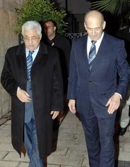 Premier contact entre Abou Mazen et Olmert