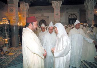 Amir Al Mouminine préside une causerie religieuse consacrée au thème de la «protection des fonds publics dans l'Islam», animée par Mme Zineb El-Adaoui