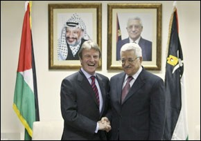 Kouchner appelle Israéliens et Palestiniens à des progrès