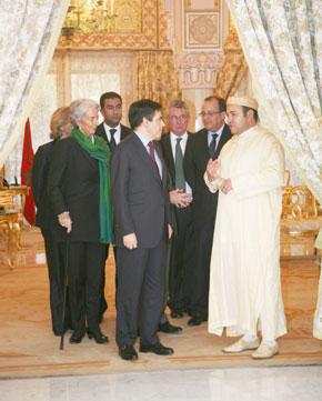 Le Souverain reçoit François Fillon, Premier ministre français