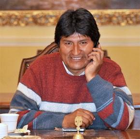 Le Président Evo Morales largement confirmé à son poste