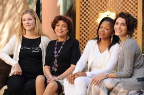L'actrice belge Natacha Regnier, l'écrivaine marocaine, Ghita El Khayat, l'écrivain sénégalais, Mariama Barry et l'actrice italienne, Caterina Murino lors de la 8e édition du FIFM, à Marrakech. (Photo : AFP)