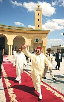 S.M. le Roi Mohammed VI accomplit la prière du vendredi à la mosquée Assoltane Moulay Slimane à Oujda