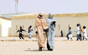 «Les camps du polisario à Tindouf : un drame humanitaire vieux de trois décennies et demi».