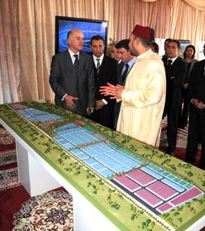 S.M. le Roi lance les travaux d'aménagement de la plateforme industrielle intégrée de Kénitra et préside la cérémonie de signature de la convention relative à ce projet