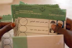 Omar El-Béchir grand favori des élections