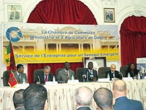 Des hommes d'affaires au cœur de l'Afrique