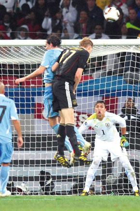 L'Allemagne a sauvé la face en remportant haut la main son duel contre l'Uruguay.