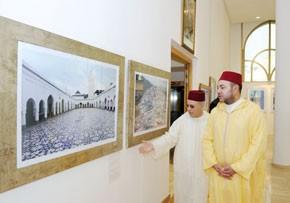 Le Souverain inaugure à Casablanca l'exposition de photographies «Mosquées marocaines à travers l'histoire»