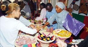 Carton plein pour le Bazar de Bienfaisance