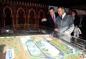 S.M. le Roi Mohammed VI inaugure une station de traitement des eaux de la retenue du barrage Al Wahda dans la commune d'Ourtzagh à Taounate