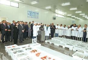 S.M. le Roi Mohammed VI inaugure la nouvelle halle aux poissons d'Agadir, réalisée pour un investissement de 70 MDH