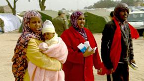 Les médecins marocains coordonnent leurs efforts pour apporter l'assistance nécessaire aux patients au camp avec les parties tunisiennes spécialisées. (Photo : fr.euronews.net)