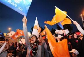 Victoire écrasante de l'AKP d'Erdogan