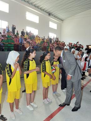 S.M. le Roi inaugure à Salé un centre socio-sportif de proximité, réalisé pour un investissement global de 13,5 MDH