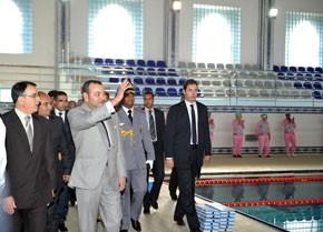 S.M. le Roi inaugure la piscine couverte  «S.A.R. le Prince Héritier Moulay El Hassan» à M'diq, réalisée pour un investissement de 19 MDH