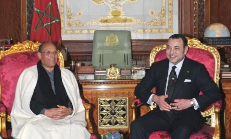 S.M. le Roi s'entretient avec le Président tunisien