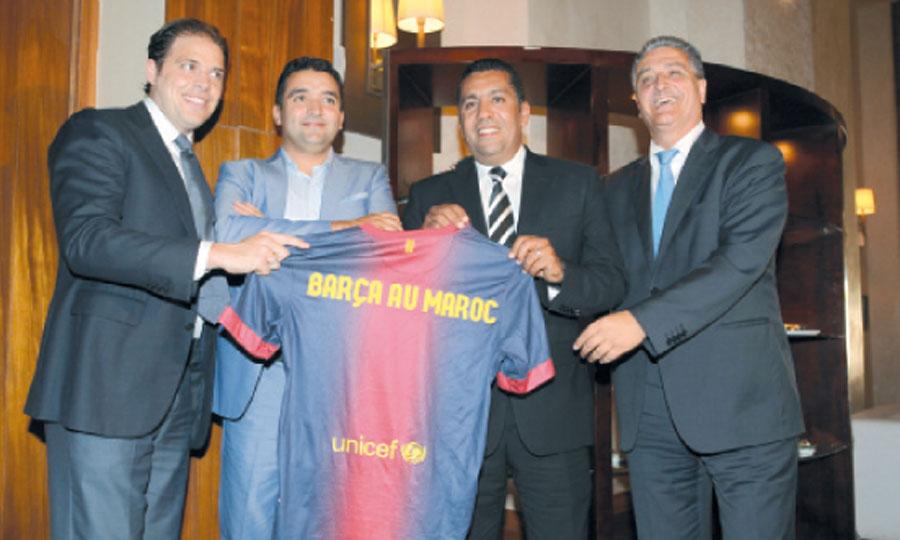 Les organisateurs de Safimm-invest en compagnie de l'entraîneur Rachid Taoussi.