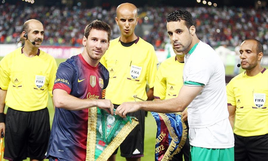 Le Raja de Casablanca chute face au FC Barcelone sur le score de 8 buts à 0, au Grand stade de Tanger en match amical. (Photo : MAP)