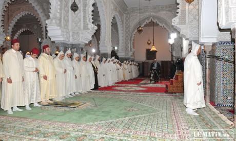 S.M. le Roi préside une veillée religieuse en commémoration de Laylat Al-Qadr à la mosquée Mohammed V à Tanger