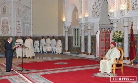 Sa Majesté le Roi reçoit  wali Bank Al-Maghrib