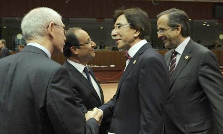 Francois Hollande et Antonis Samaras, Herman Van Rompuy et Elio Di Rupo, à Bruxelles. (Photo : AFP)