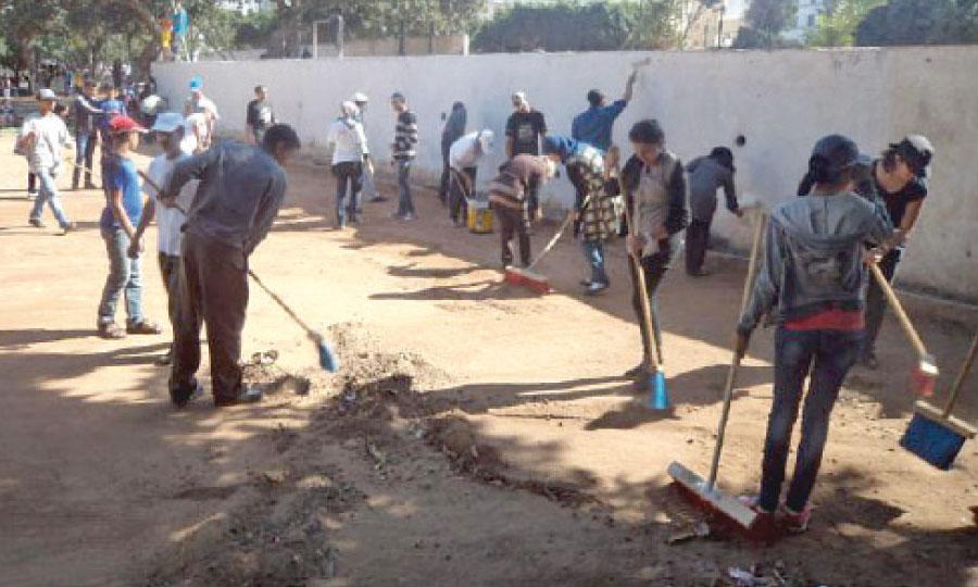 Environ 140 personnes, en plus des habitants du quartier, ont participé à cette opération.