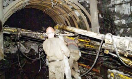 Débats autour des mines et carrières