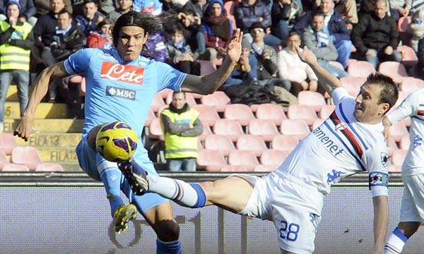 Le Napoli, deuxième de Serie A, n'a pas su profiter du faux-pas de la Juve à Rome samedi (1-0). Tenu en échec à San Paolo (0-0) par la Sampdoria. (Photo : sportsmole.co.uk)