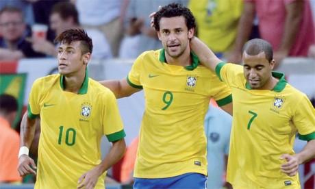 Le Brésil et l'Espagne partent favoris