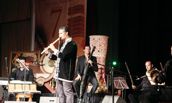 Le compositeur et musicien Rachid Zeroual et le poète Hafid Lamtouni lors de leur prestation.