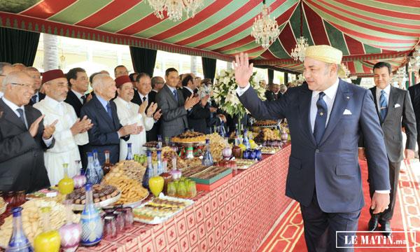 Sa Majesté le Roi préside au Palais royal à Rabat une réception à l'occasion du 50e anniversaire du Souverain