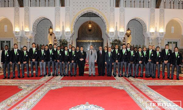 Sa Majesté le Roi Mohammed VI  a offert au Palais Royal de Casablanca, une réception en l'honneur des membres de l'équipe de football du Raja Club Athletic.
