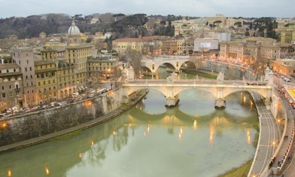 «Rome a gaspillé de l'argent pendant des décennies. Je ne veux pas dépenser un seul euro qui ne soit pas budgété», a déclaré Ignazio Marino, maire de la Ville éternelle. Ph :  levif.be