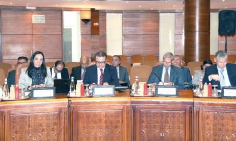 Réunion de suivi de la mise en œuvre des accords signés lors de la tournée royale en Afrique