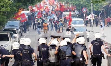 Manifestations et grèves en Turquie