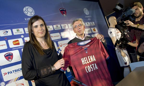 Helena Costa devait être la première femme en France à entraîner un club professionnel masculin, le Clermont Foot. Ph : AFP