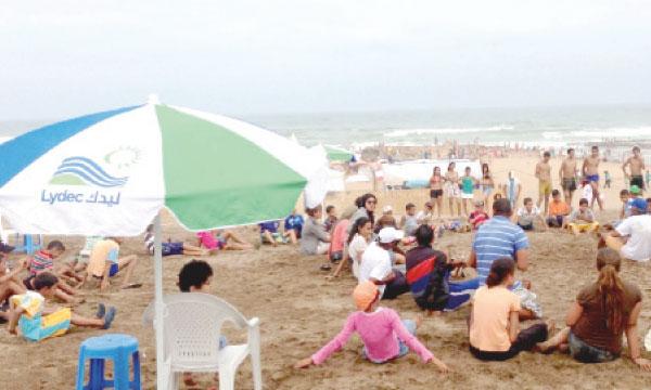 L'espace aménagé accueille les enfants en visite à la plage qui bénéficient ainsi de plusieurs activités pédagogiques et ludiques.