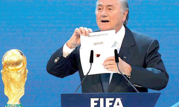 Joseph Blatter, président de la FIFA, dévoilant le nom du Qatar, pays hôte  de la Coupe du monde 2022. Ph. DR