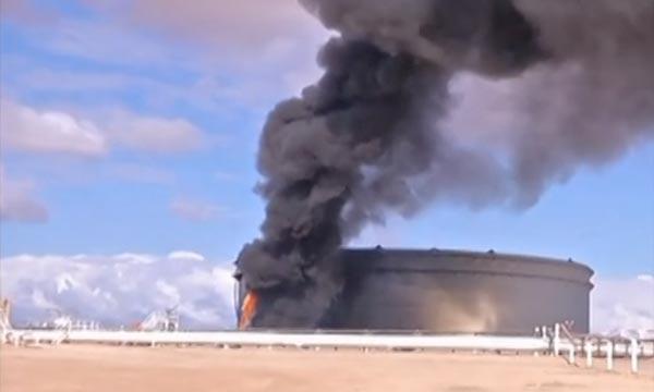 La bataille pour le contrôle de terminaux pétroliers et d'une centrale électrique faisait rage dans l'est de la Libye.  Ph  : fr.euronews.com