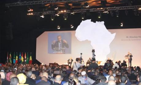 Des responsables et opérateurs économiques marocains et africains ont fait savoir que les pays africains doivent trouver un terrain d'entente commun pour les échanges commerciaux. Ph : MAP