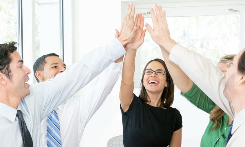 Le team building permet la rencontre des collaborateurs dans leur diversité, dans un cadre différent du quotidien.