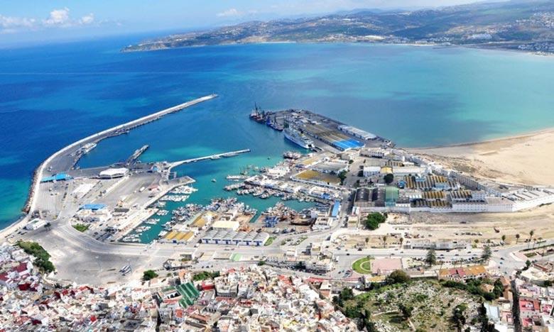 «La date prévisionnelle pour la mise en service du nouveau port de pêche est prévue pour fin 2015 et la 1re phase de transformation de l'actuel port de pêche en marina a été réalisée à 70%», c'est ce qu'a fait savoir M. Ouanaya. Ph : skyscrapercity.c