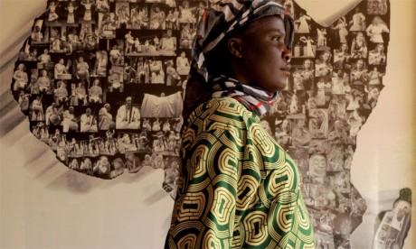 Le processus de démocratisation en Afrique a confronté l'État postcolonial à son échec à gérer la question identitaire, alors qu'elle aurait dû constituer  le fondement du modèle de développement africain.
