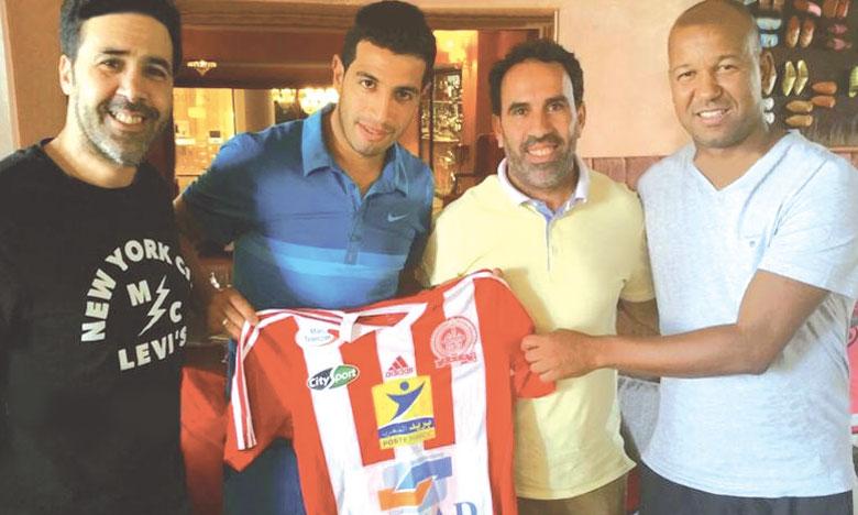 Ahmed Chagou a refusé des offres de la part de l'Ittihad Tanger et du Chabab Rif Al Hoceima et a préféré rejoindre le KACM.